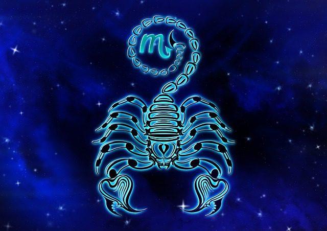 zodiac-sign-4374412_640